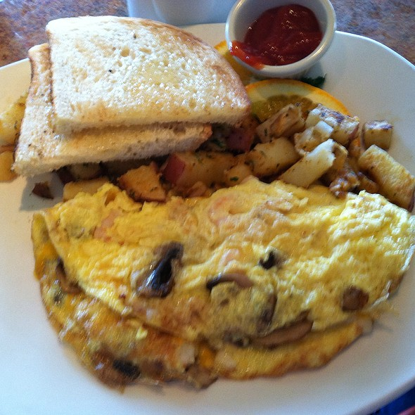 Monterey Bay Omlet - Vizcaino Waterfront Food + Drink, Monterey, CA