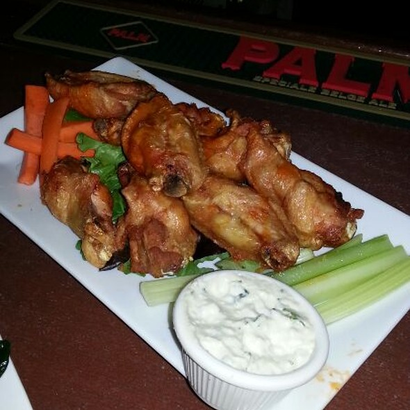 Buffalo Wings - Gossip Restaurant, New York, NY