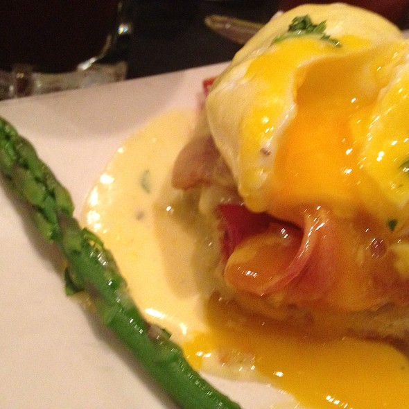 Eggs Benedict With Country Ham - BOURBON RAW, Louisville, KY