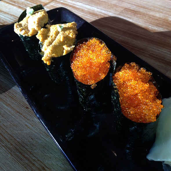 Uni and Tobiko Nigiri - Moshi Moshi Sushi, Seattle, WA