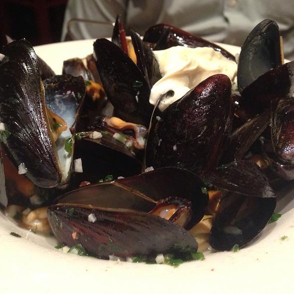 Mussels - Nizza La Bella, Albany, CA