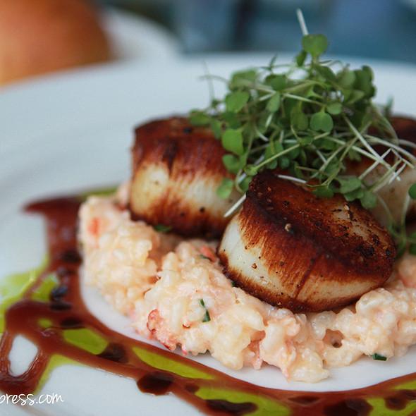 Sauteed Sea Scallops - Geoffrey's Restaurant, Malibu, CA
