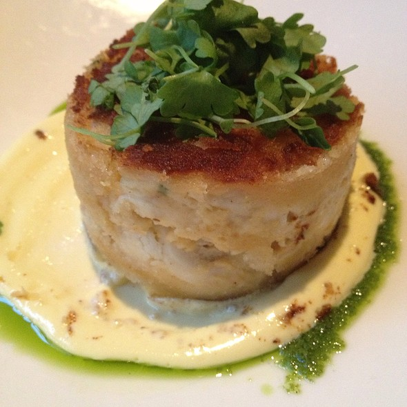 crab cake - Michael Jordan's Steakhouse, Chicago, IL