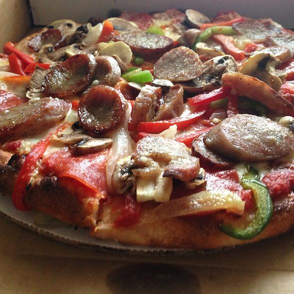 Pizza Pugliese - Trattoria Romana In Lincoln, Lincoln, RI