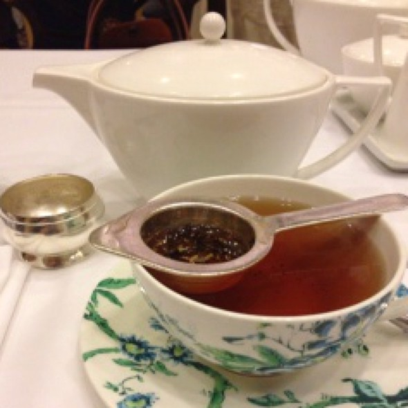English Breakfast Tea - Victoria's Restaurant @ The King Edward Hotel, Toronto, ON