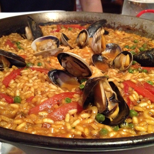 Paella Mixto - Andanada, New York, NY