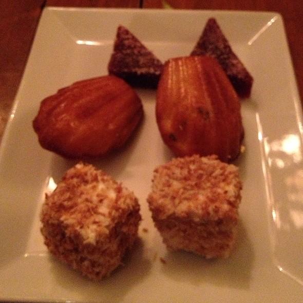 Mini Dessert Platter - L'Auberge Saint-Gabriel, Montréal, QC