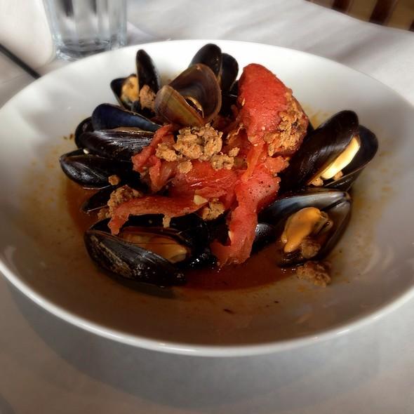 Mussels Chorizo - Salu, New Orleans