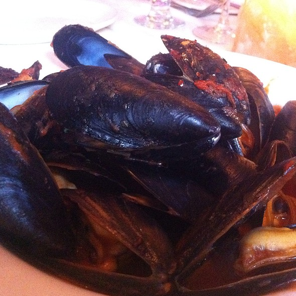 Mussels Fra Diavolo - Jake's Steakhouse, Bronx, NY