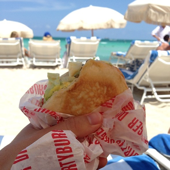 Dirty Burger - Cecconi's Miami Beach (fka Soho Beach House - Cecconi's), Miami Beach, FL