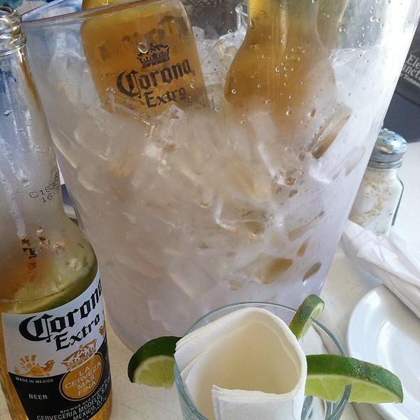 Beer Bucket - SPAZIO - Fort Lauderdale, Fort Lauderdale, FL
