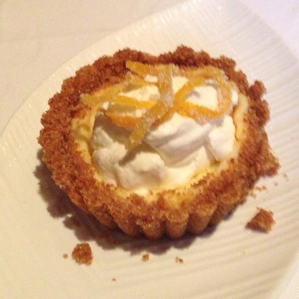 Cheesecake - Restaurant Iris, Memphis, TN