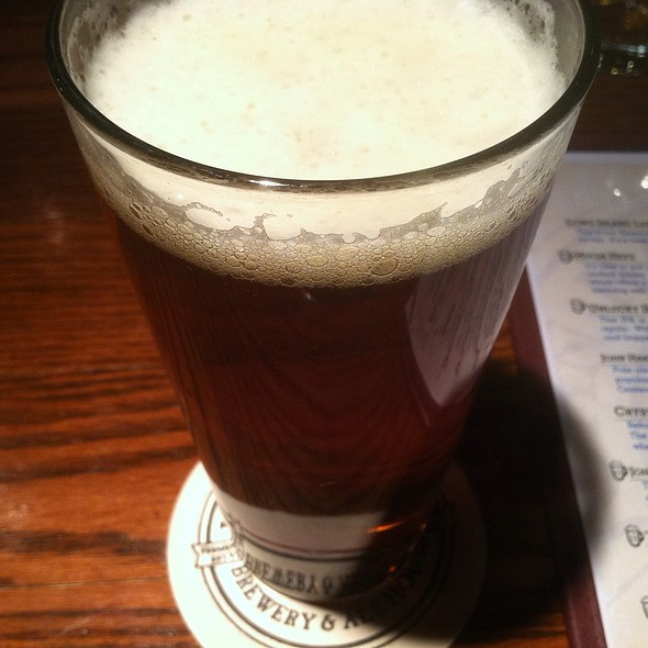 John Harvards Pale Ale - John Harvard's Brewery and Ale House, Lake Grove, NY
