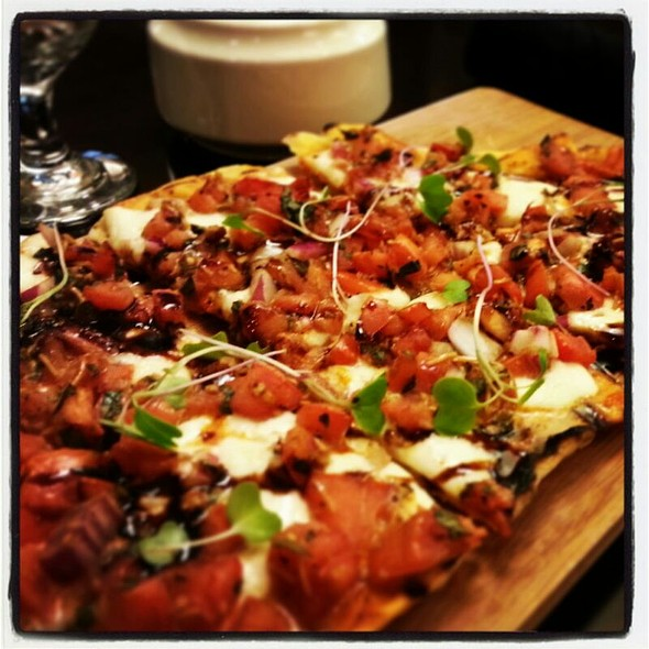 Tomato-Basil Flatbread - Trofi Restaurant - Doubletree by Hilton Kansas City - Overland Park, Overland Park, KS