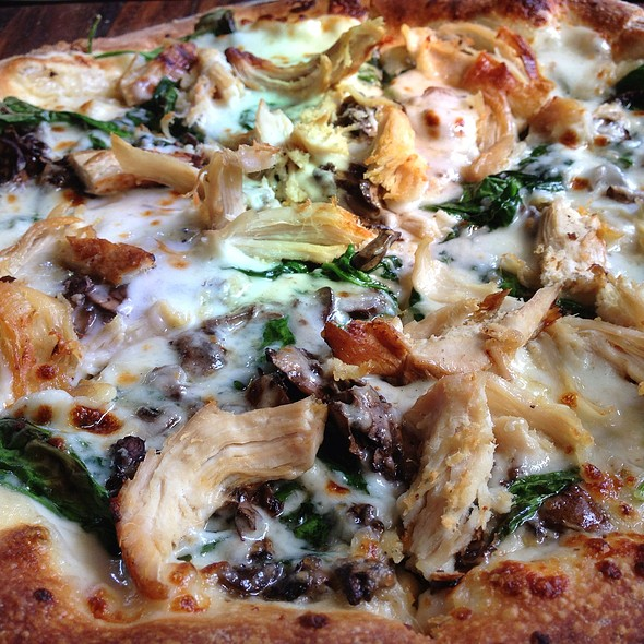 Garlic Chicken Pizza - Firestone Public House, Sacramento, CA