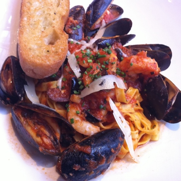Shrimp Fetuttini - Basil's, Minneapolis, MN