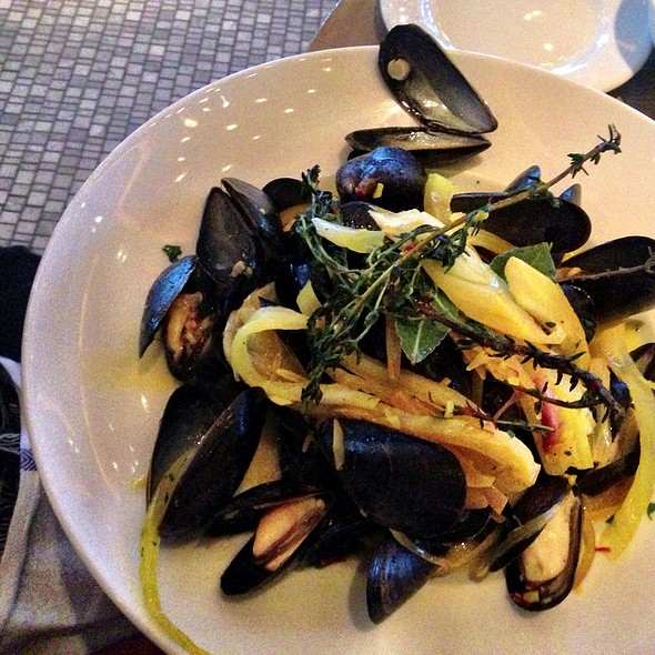 Mussels - Avenue, Long Branch, NJ