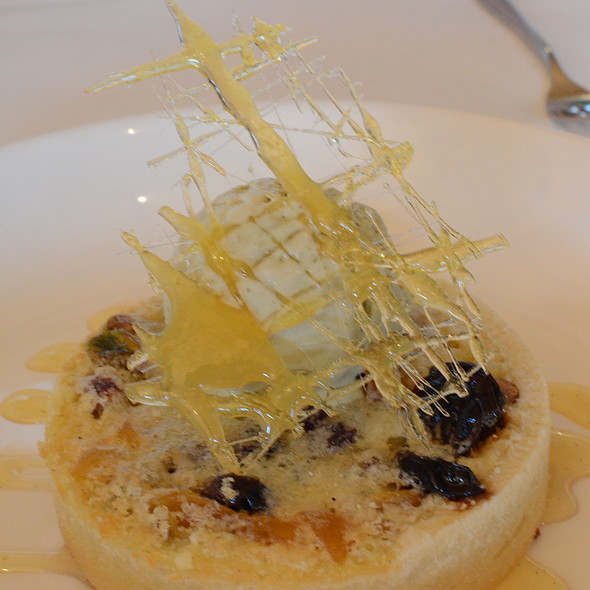 Icewine fruit tart - Ravine Vineyard Winery Restaurant, Niagara-on-the-Lake, ON