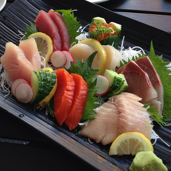 Sashimi Plater - Chef's Selection - Hapa Izakaya Coal Harbour, Vancouver, BC