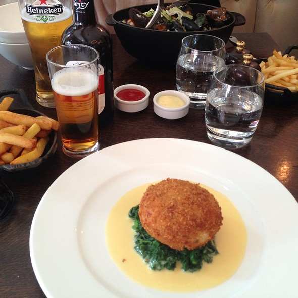 Salmon Pie With Beer & Chips - The Botanist, London