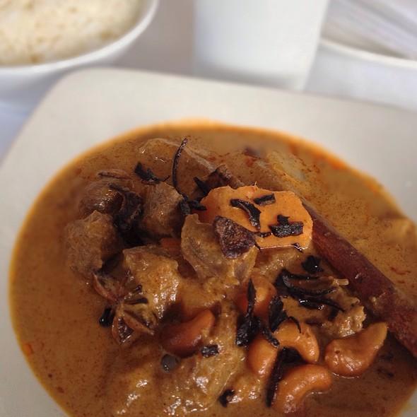 Mussaman Nua - Sri Suwoon Thai Restaurant, London