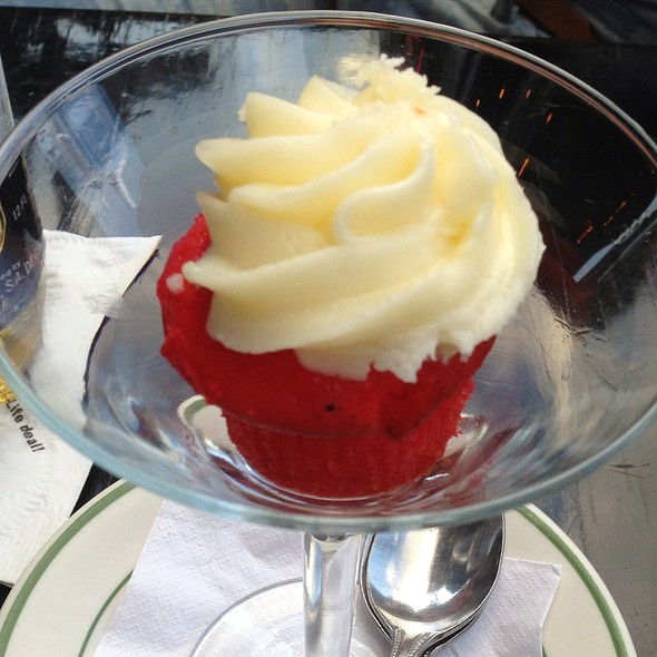 mini red velvet cupcakes - Hi-Life Restaurant - Upper West Side, New York, NY