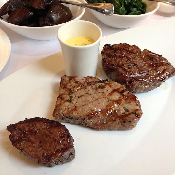 Tasting Steak - Christopher's, London