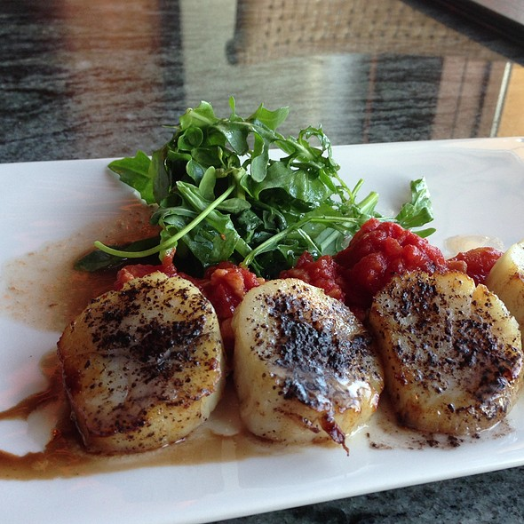 Seared Alaskan Weathervane Scallops - Anthony's Pier 66, Seattle, WA