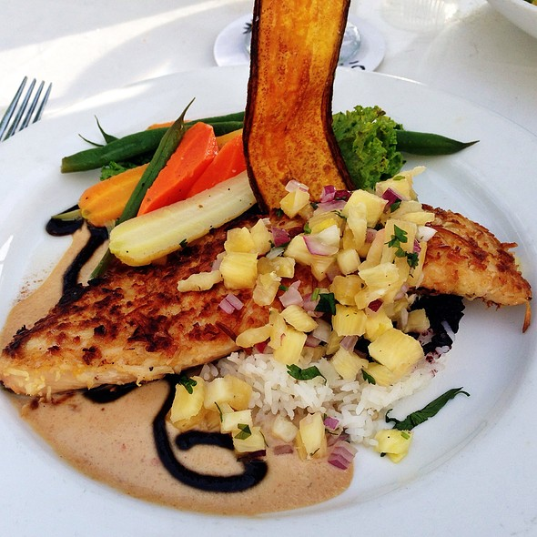 Crusted Mahi Mahi with honey chipotle and beurre blanc sauce - Pacific'O, Lahaina, HI