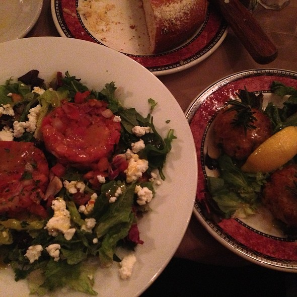 Crab cake salad, tomato relish and goat cheese - Fried Green Tomatoes, Galena, IL