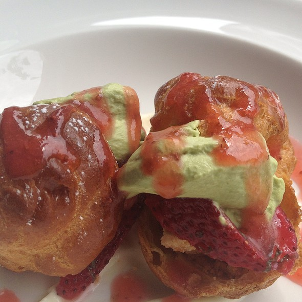 Strawberry Shortcake Puffs - Enso Sushi & Bar, Chicago