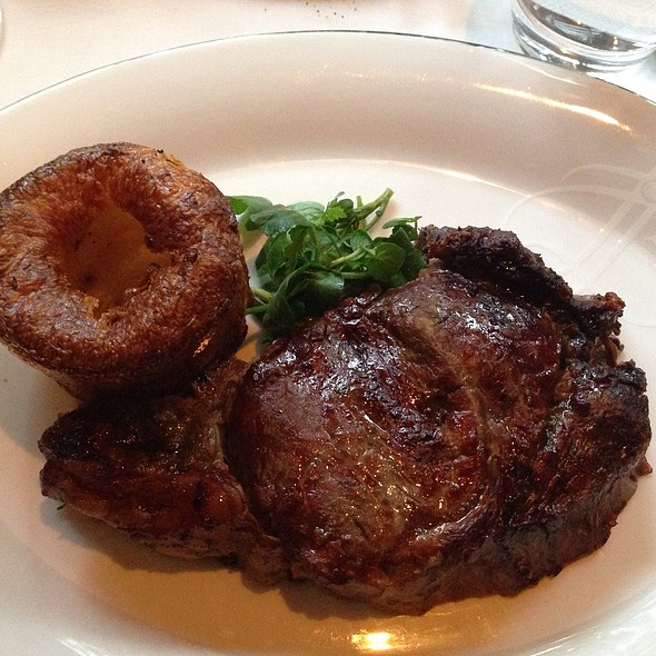 Prime Rib - The Rib Room Bar & Restaurant, London
