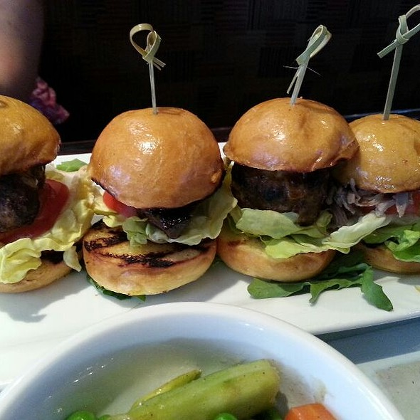 Sliders - Garrett Hill Ale House, Bryn Mawr, PA