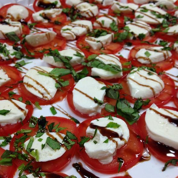 Tomatoes & Mozzarella - AquaTerra Grille, Pearl River, NY