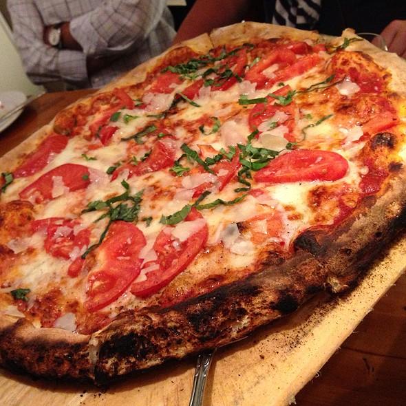 Primavera Pizza Kitchen Restaurant