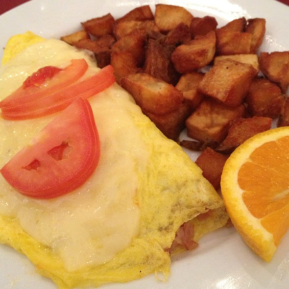 Honey Kissed Ham And Cheese Omelet - Chez Zee, Austin, TX