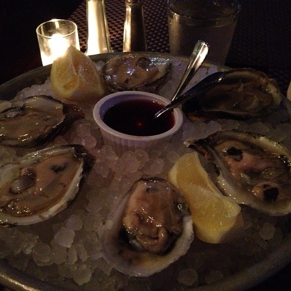 Blue Point Oysters - Tir Na Nog Irish Bar & Grill - Times Square, New York, NY