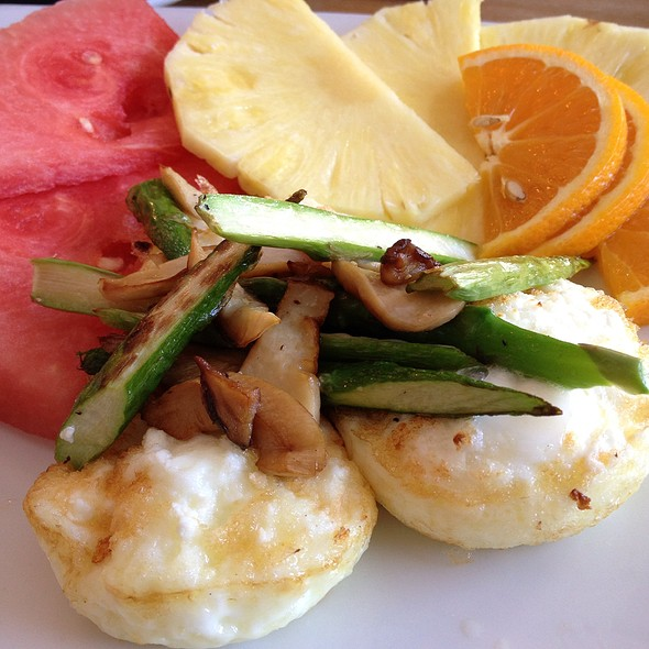 L.A. Breakfast - Metropolitan Kitchen & Lounge, Annapolis, MD
