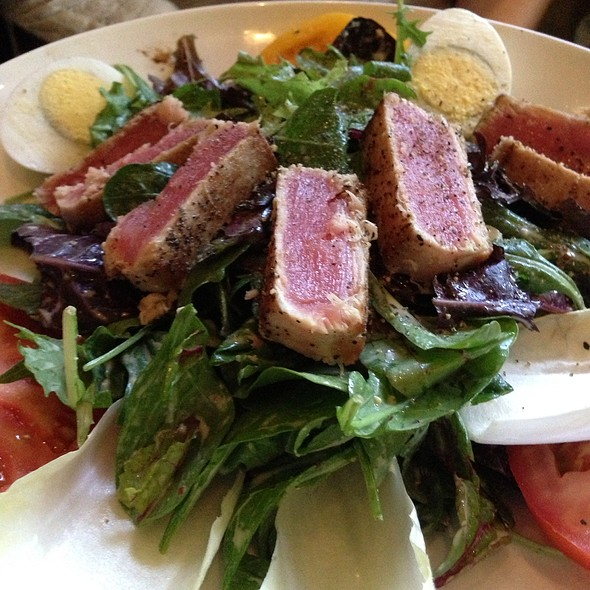 Salad Nicoise - Spencer's Restaurant, Palm Springs, CA