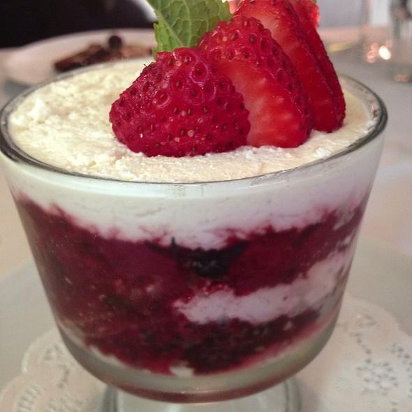 Torta Ai Frutti Di Bosco - Tigelleria Organic Restaurant, Campbell, CA
