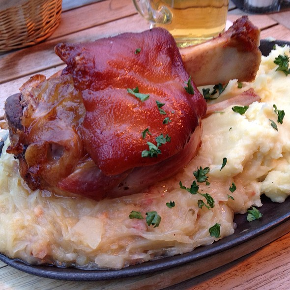 Freshly Baked Pork Knuckle With Sauerkraut And Mashed Potatoes - Zum Alten Markt, Dortmund, NW