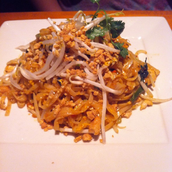 Chicken Pad Thai - Big Bowl-Reston, Reston, VA
