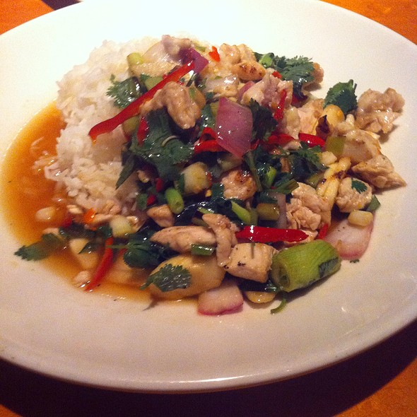 Hot Pepper Chicken With Basil - Big Bowl-Reston, Reston, VA