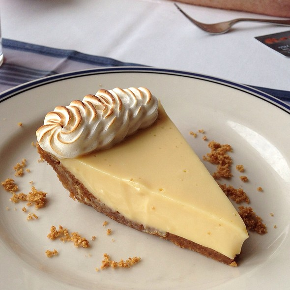 Key Lime Pie - Harbor House, Milwaukee, WI