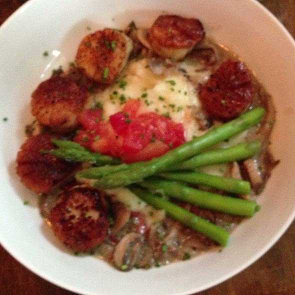 Scallops - 247 Craven, New Bern, NC