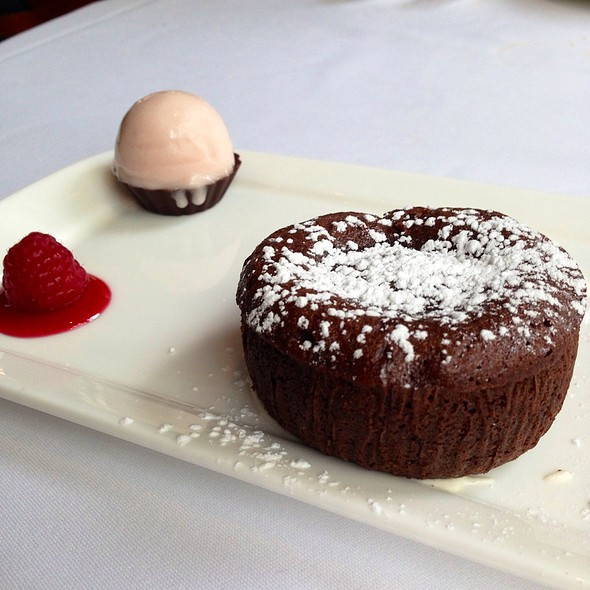 Chocolate Molten Cake - Polo Lounge @  The Beverly Hills Hotel, Beverly Hills, CA