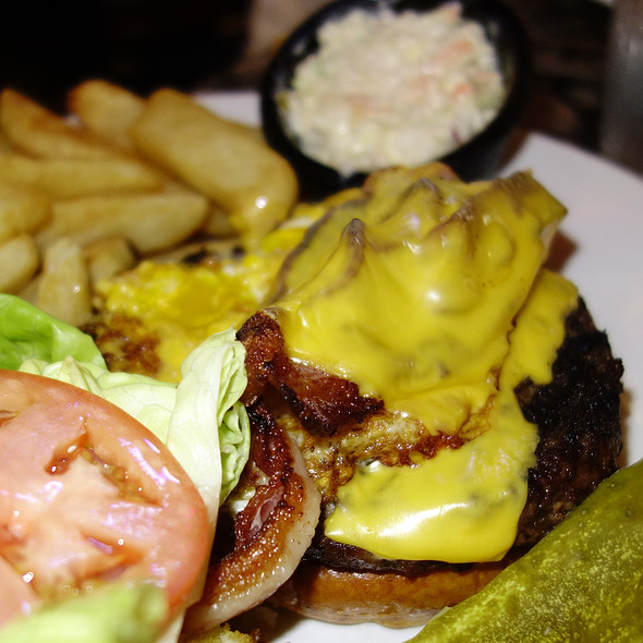 Bacon Cheeseburger - Fireplace Inn, Chicago, IL