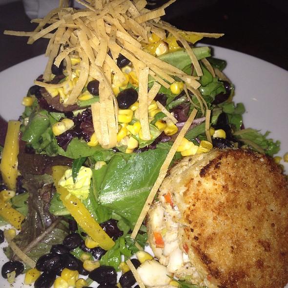 Crabcake Salad - Artin's American Grill, Plano, TX