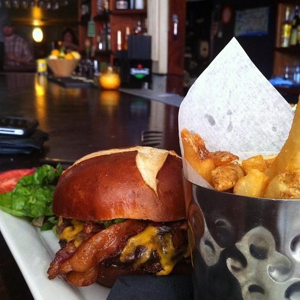 Belltown Burger - Belltown Pub, Seattle, WA