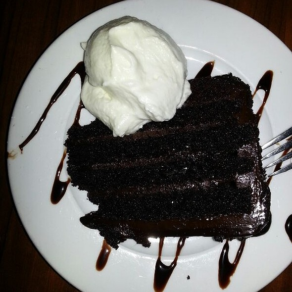 Chocolate Cake - Darryl's Corner Bar and Kitchen, Boston, MA